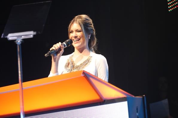 Renata Fan apresenta Prêmio Escola Voluntária